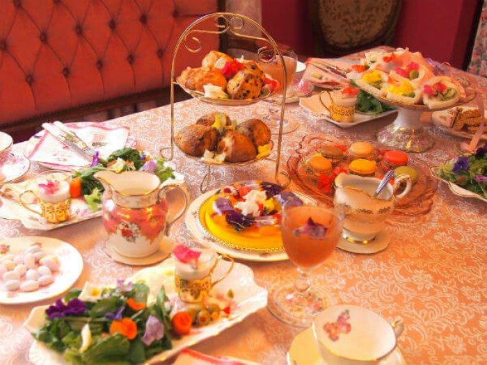 spring flower teaparty whole3
