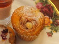 アップルケーキも薔薇に見えて可愛い!
