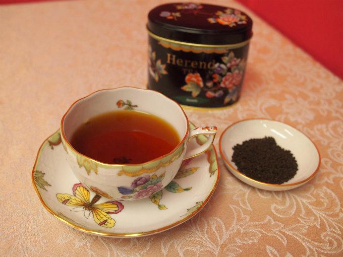 アッサムのファーストフラッシュのCTCの紅茶を飲むのは初めてでした。CTCはミルクティーに合うと思っていたけど、こちらの紅茶はCTCにありがちな雑味がなく、ストレートで飲んで美味しかったです。またアッサムのファーストフラッシュはコクが物足りないことが多いのに、そんなこともなく美味しい紅茶でした。