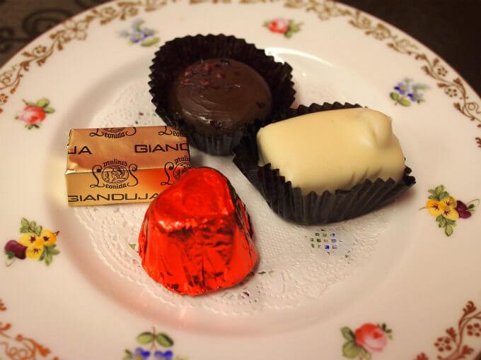 leonidas chocolate piece1