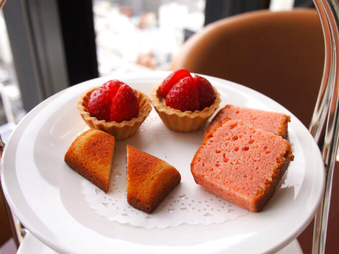 royalpines strawberry afternoontea sweets