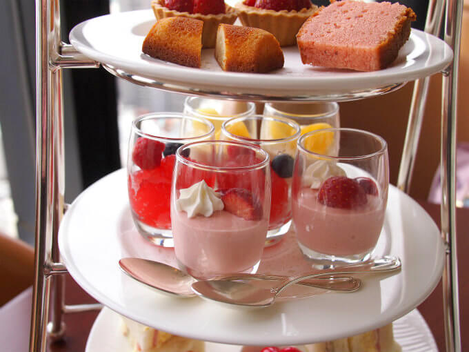 royalpines strawberry afternoontea sweets2