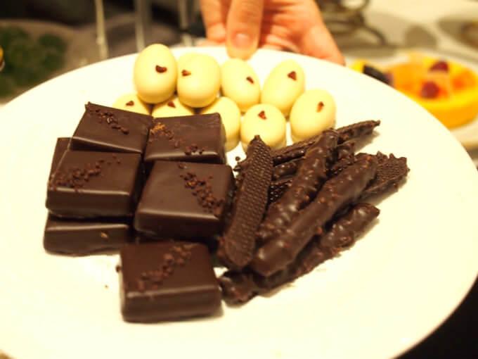 チョコレートなど