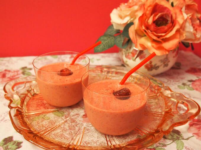 <紅茶レシピ>可愛くて甘酸っぱい!いちごミルクティースムージー