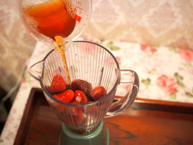 strawberry milk teasmoothie recipe3