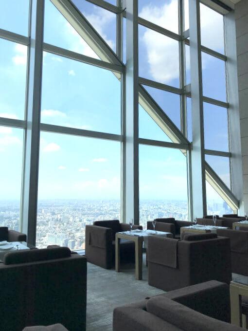 ピークラウンジは41階なので眺めも最高です。