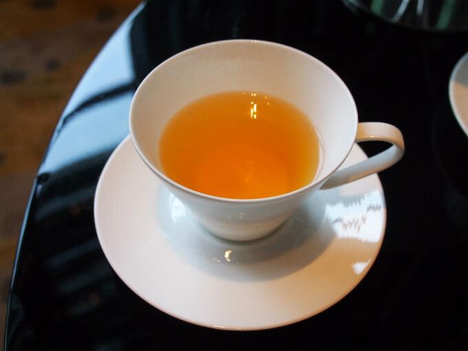 こちらはグリーンドラゴン。中国緑茶のロンジン茶。香りがとても良かった。