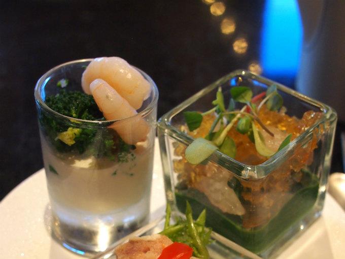 小エビと野菜の冷製チーズフォンデュと魚介のタルタルと季節野菜のムース コンソメのジュレ添え。どちらもソースが濃厚で美味しかったです。