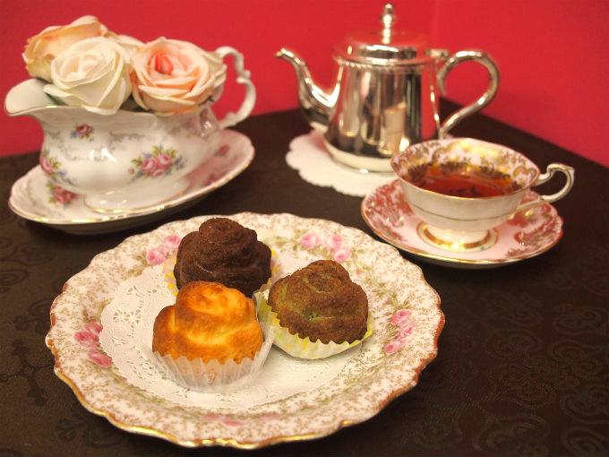 グラニースミスの「ばらのマドレーヌ」と紅茶