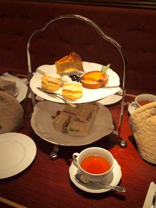 こちらは珈琲茶館 集 原宿表参道店のアフタヌーンティークラシカルセットです。