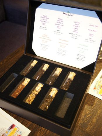 軽井沢マリオットホテルのラウンジの紅茶はマイティーリーフです。