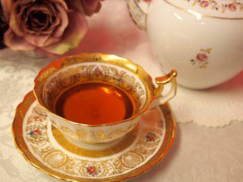 ダージリンセカンドフラッシュの水色(すいしょく)は綺麗なオレンジ色