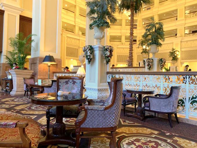 ドリーマーズ・ラウンジは東京ディズニーランドホテルのロビー階(3階)にあるラウンジ