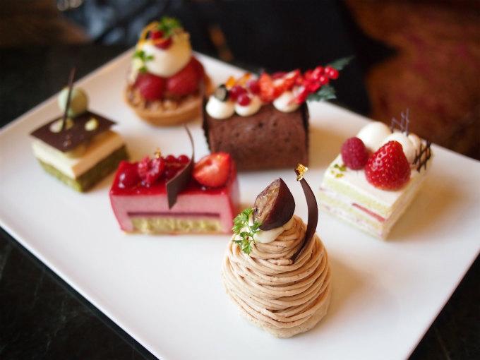 この日は、こちらの6種類からケーキを選べました。