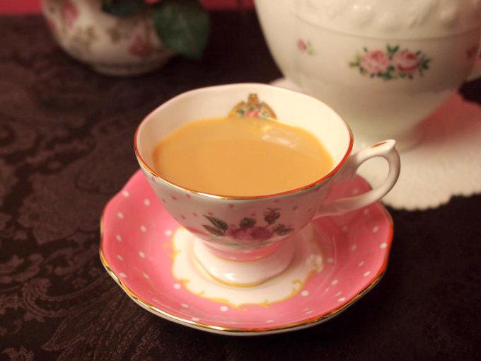ディンブラはストレートでもミルクティーにしても美味しい紅茶です。