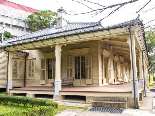 こちらは東山手十二番館。東山手地区の中で一番古い建物です。