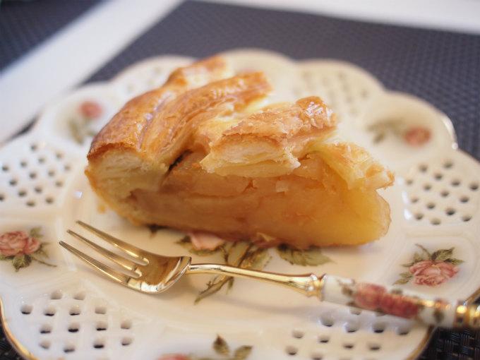 アップルパイはりんごがたっぷり。単品価格は¥518(税込)