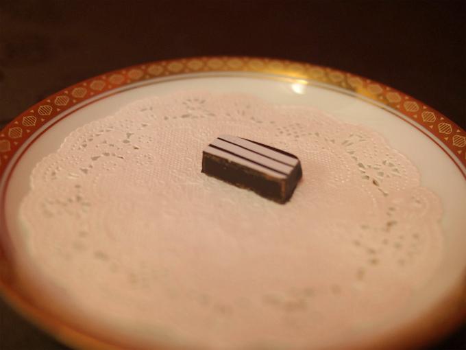 ウーロン茶のチョコなんて初めて食べる組み合わせのチョコレートです。