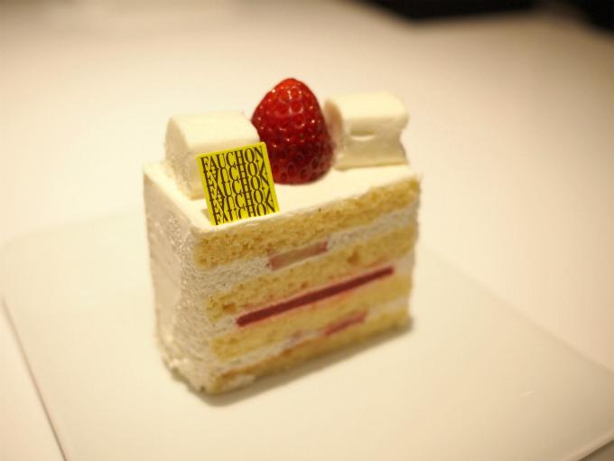 こちらはシャンティフレーズ。いちごのショートケーキです。