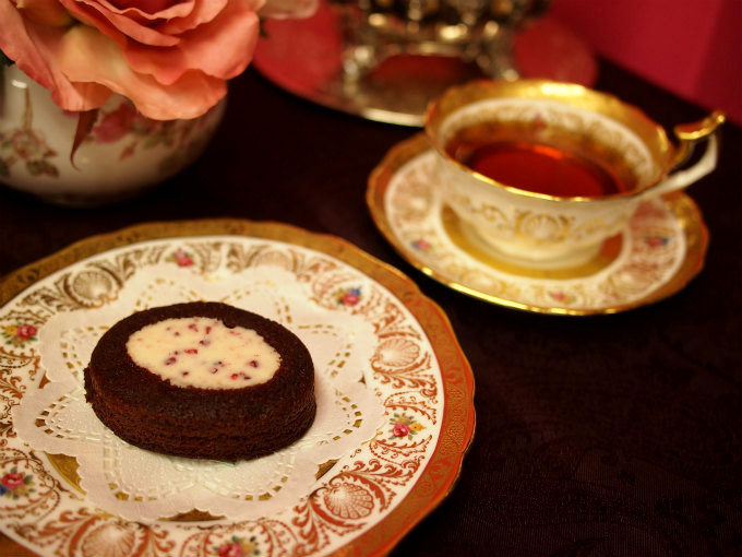 ガトーフェスタハラダのレッドベルべットと紅茶
