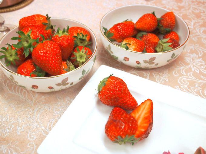 いちごは「とちおとめ」を用意していたけれど、差し入れで、「紅ほっぺ」と「かおりの」もいただいたので3種類の苺を食べられることに!
