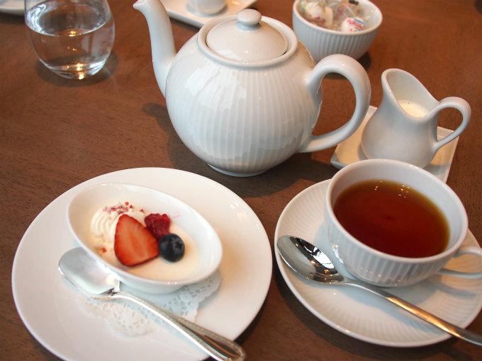 ランチセットの紅茶はポットサービスでした。