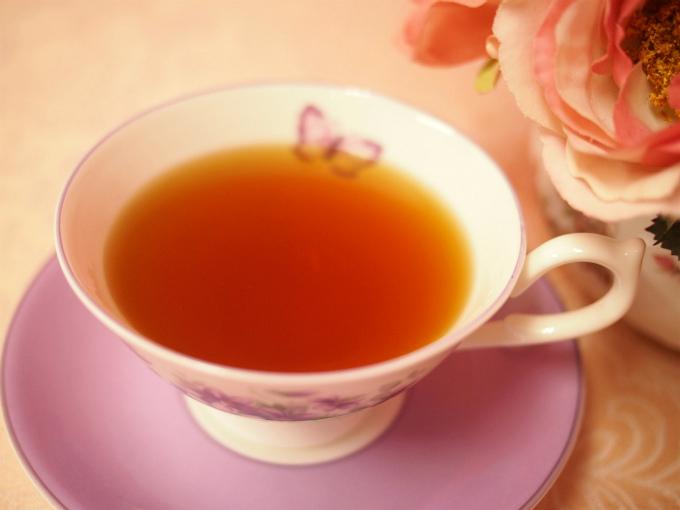 アッサム紅茶の茶液の色の写真