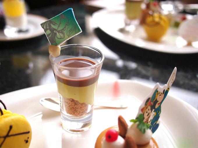 ピスタチオムースとチョコレートスープはグーフィーのイメージ。