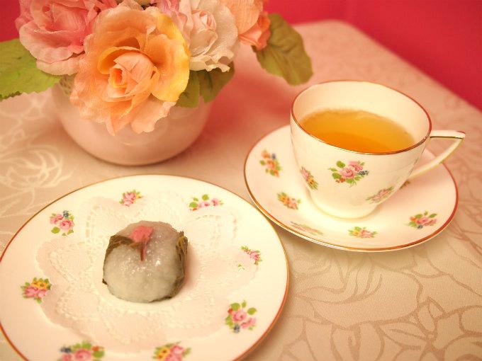 源 吉兆庵の「さくら餅」と紅茶