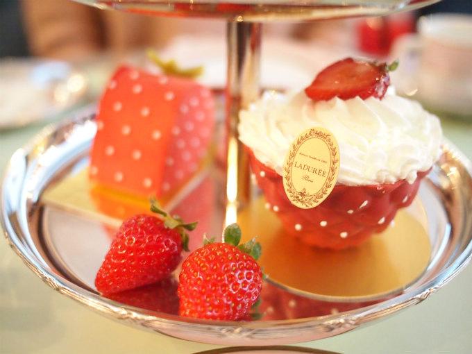 laduree 2019strawberry afternoontea sweets