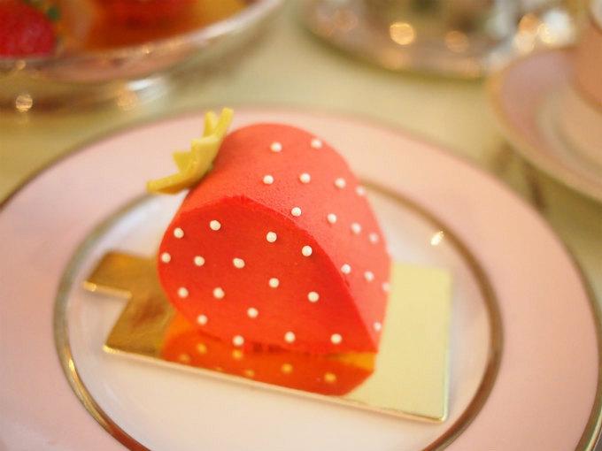 フレーズラデュレはラデュレの定番のイチゴのケーキ。