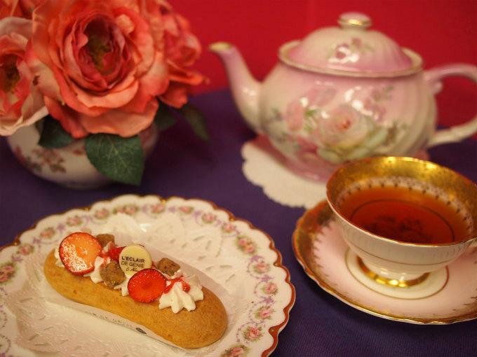 レクレール・ ドゥ・ジェニのエクレアと紅茶