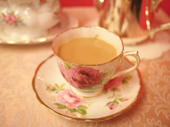 ディンブラはストレートでもミルクティーでも、どちらも美味しい紅茶。