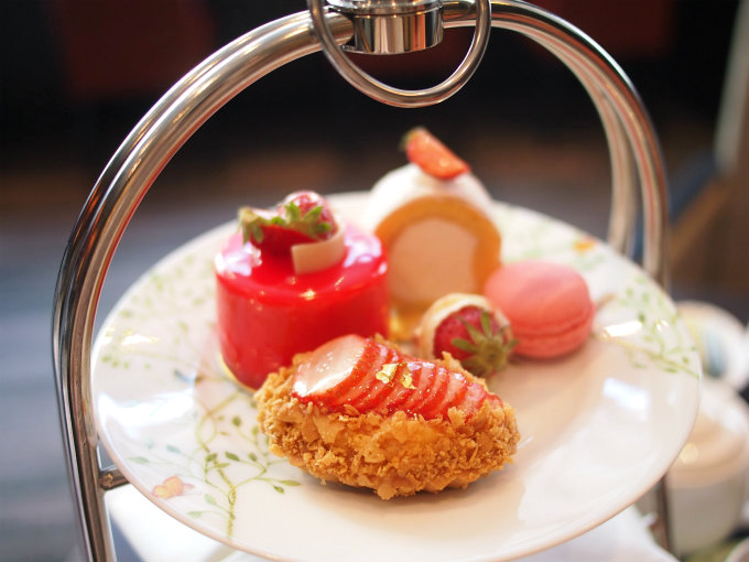 ginza tobu 2019strawberry afternoontea sweets