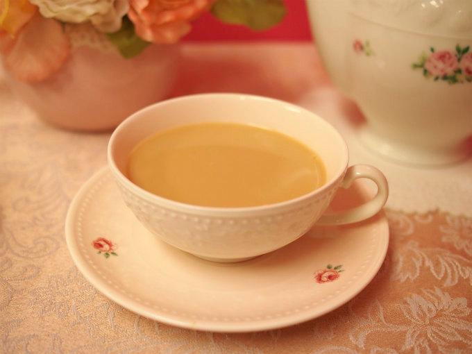 ニルギリは渋みがおだやかで飲みやすい紅茶です。ミルクティーにも合う紅茶です。