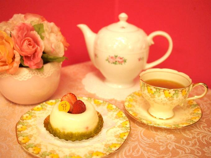 ピエール・エルメのデジレと紅茶