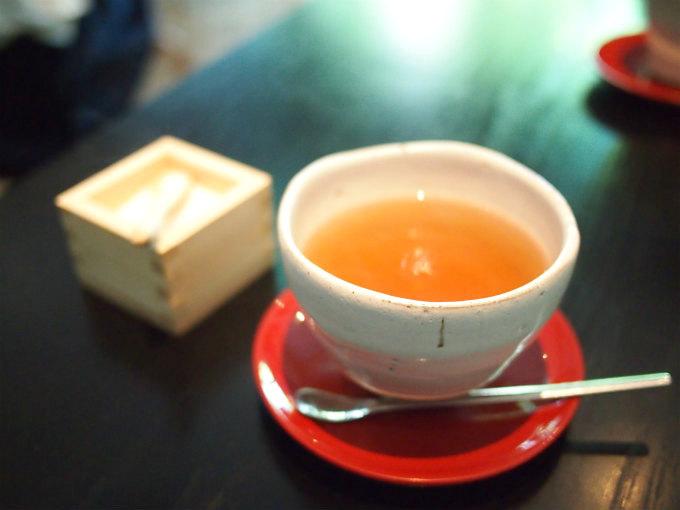 こちらは釜炒り紅茶。和紅茶との説明でした。
