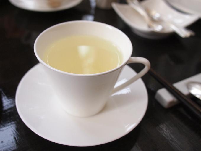 シルバーリンチン。白茶にオレンジのフレーバーを付けたお茶。