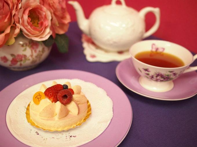 ピエール・エルメのアンヴィと紅茶