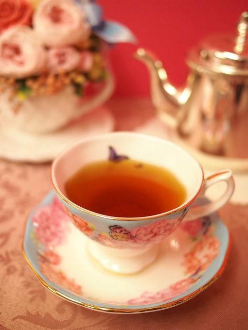 キームンは少し黒みをおびた水色(すいしょく)の紅茶です。