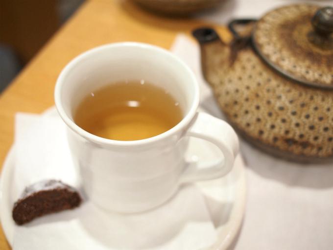 こちらは白茶