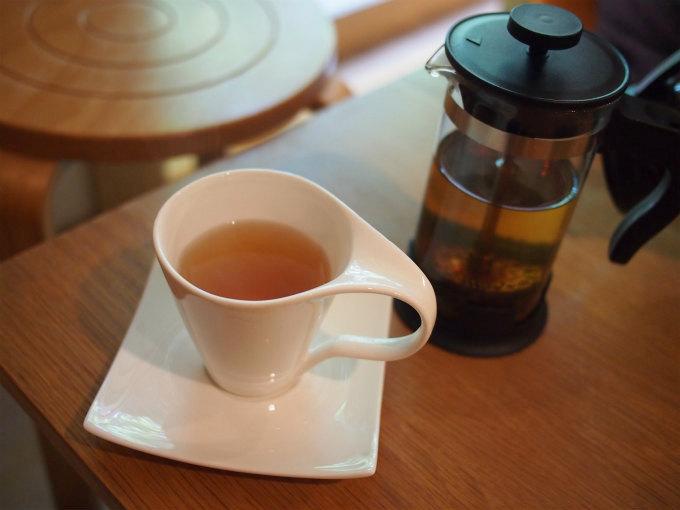 紅茶はべにふうき薩摩紅茶 (880円)しかないけれど、ほんのりと甘みを感じる美味しいオーガニックの紅茶でした。