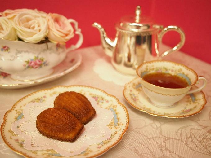 リベルターブルの「マドレーヌ ナチュール」と紅茶