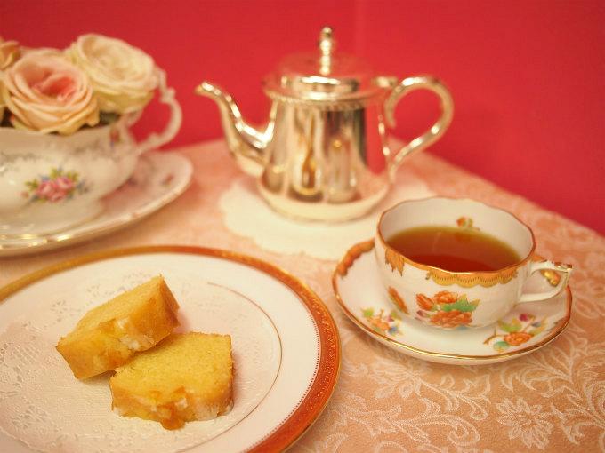 ローズベーカリーのレモンオレンジパウンドケーキと紅茶