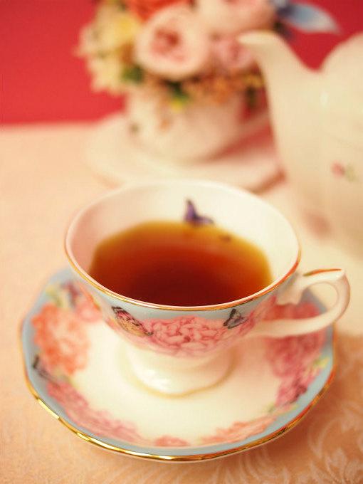 キャンディは水色がキレイな紅茶として有名です。