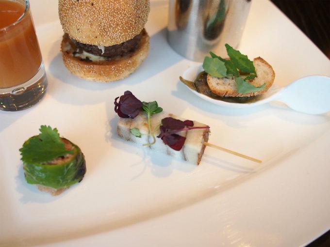 左から青唐辛子 肉 、里芋 アンチョビ 、茄子 海老 。