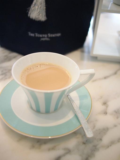 こちらはロイヤルミルクティー。茶葉はロンネフェルトのアイリッシュモルトでした。