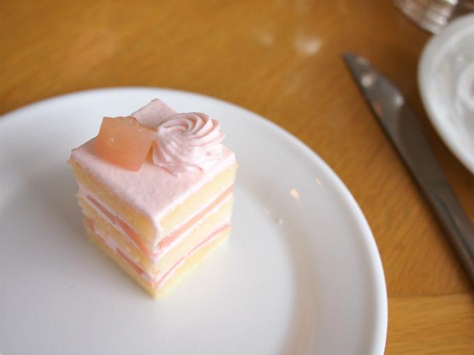 白桃ショートケーキ