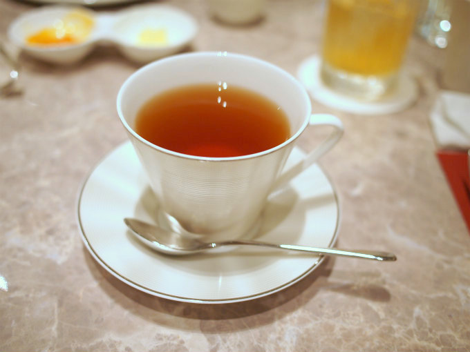 こちらはダージリン。アッサムとダージリンはフォートナム&メイソンの茶葉を使用しているそうです。