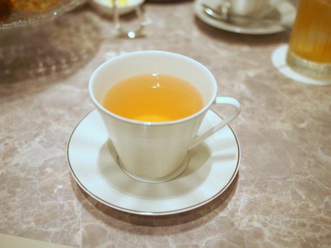 こちらはミントカモミール。cafeVAVAはハーブティーも美味しいです。
